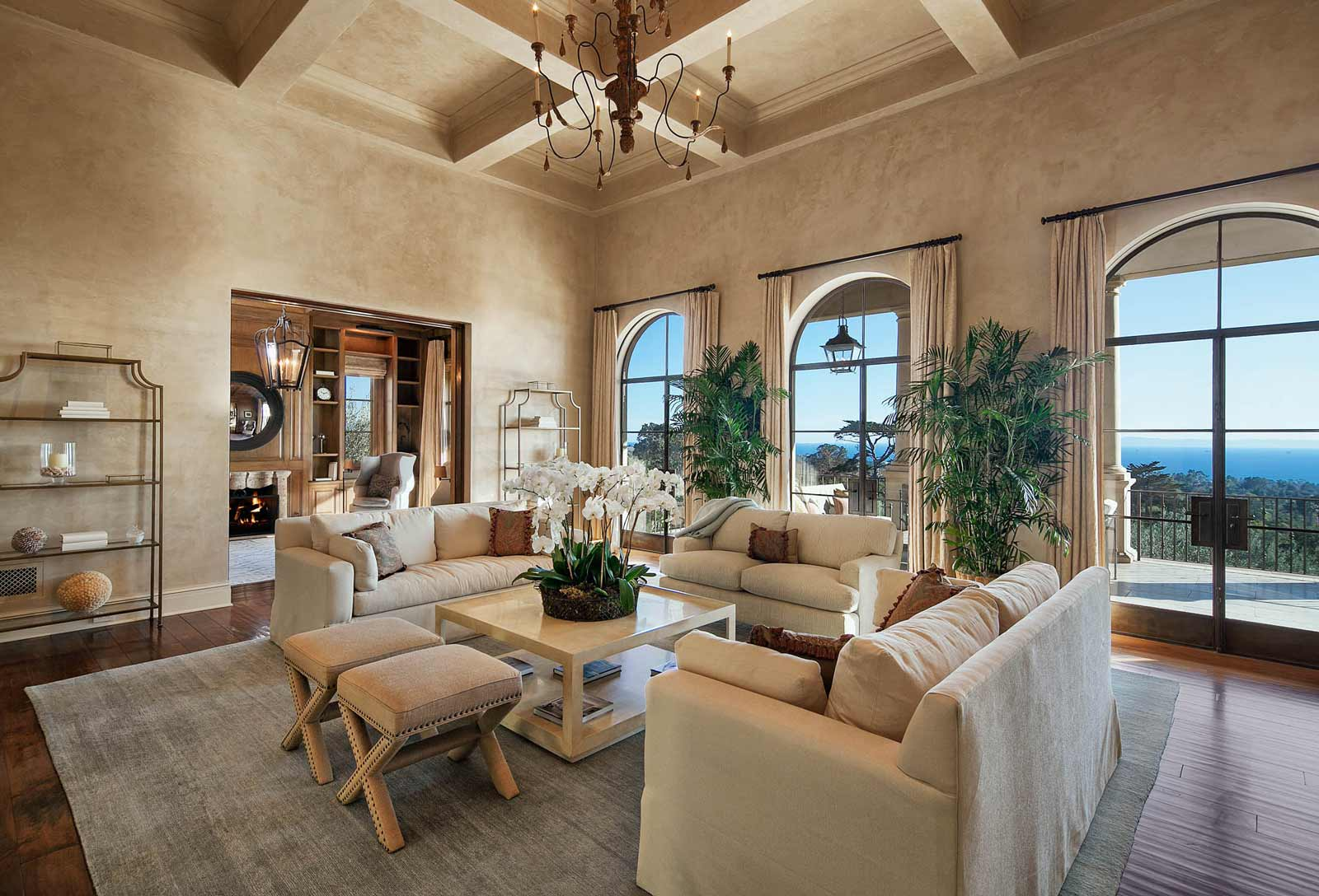 Tuscan style for Tuscan style living room designs